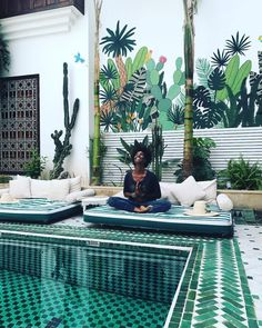 - α в ѕ σ l u t є ☆ в l í ѕ ѕ (@absoluteblissyoga) op Instagram: 'S U P E R • B L I S S • 🌴 . . A true oase of Bliss at the beautiful @leriadyasmine . .…'