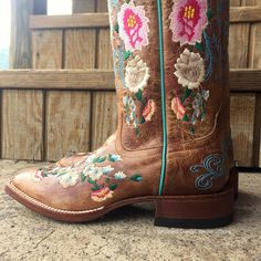 Dan Post Women's Rustic Tan Embroidered Butterfly Cowgirl