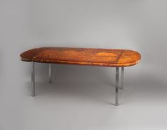 Table de salle à manger en résine fractale ambrée Marie-Claude de Fouquières…