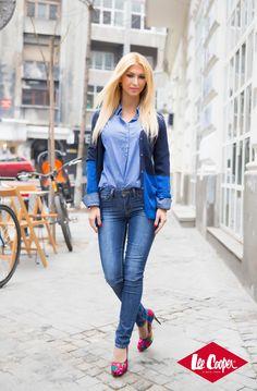 Andreea Balan - Blue is back Romanian Women, Mom Jeans, Celebrity Style, Woman, Celebrities, Hot, Blue, Fashion, Moda