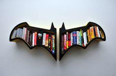 Batman bookshelf FictionFurniture sur Etsy