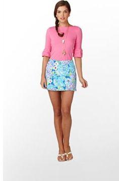 MYRTLE: Girls squirts through skirt