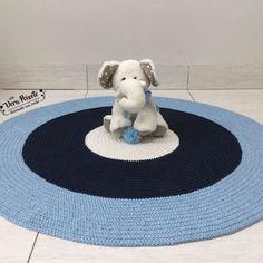 Tapete baby renan azul marinho e cru menina quartos tapete lindo tapete de croch nas cores creme azul marinho e azul beb fazendo um lindo fandeluxe Choice Image