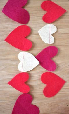 DIY: felt heart garland