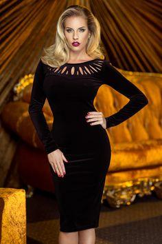 Rochie Charisma Neagra - Rochie din catifea neagra cu decupaje ce ii da un look interesant si elegant. Este o rochie sexy ce iti pune in valoare frumusetea. Atentie! Acest articol se va livra incepand cu data de 20.11.2015! material elastic maneci lungi decupata la baza gatului fara fermoar Dimensiuni disponibile: S, M, L, XL Colectia Rochii de seara scurte de la  www.rochii-ieftine.net Velvet Midi Dress, Minimal Outfit, Little Dresses, Girly Girl, Female Models, Fashion Models, Evening Dresses, Short Dresses, Sexy Women