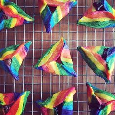 Rainbow Hamantaschen This is really cool! I can't way to try these and blow everyone's socks off! No one expects a rainbow hamantasch. #hamantaschen #rainbowcookie