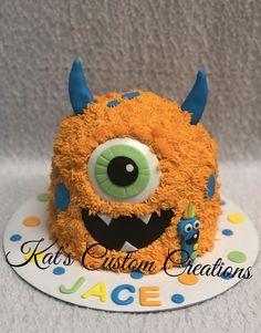 Little Monsters Birthday Smash Cake! Monster Smash Cakes, Monster Birthday Cakes, Little Monster Birthday, First Birthday Cupcakes, Monster 1st Birthdays, Monster Birthday Parties, Baby Boy 1st Birthday, Birthday Cake Smash, First Birthday Parties