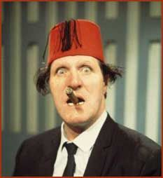 Tommy Cooper (19-03-1921/15-04-1984)