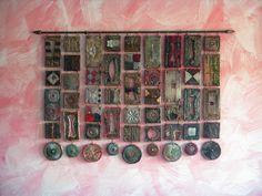 Incantevoli formelle, pezzi unici, forgiati a mano uno ad uno, di misure, colori e forme illimitate, da inserire come bordi, terminali, nicchie, isolate, decorazioni, a fantasia del cliente…