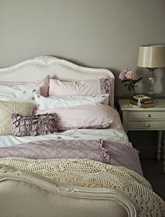 Grey and pink bedroom colour scheme