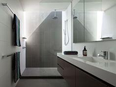 Badkamer wit unique moderne badkamer met witte en roze tegels