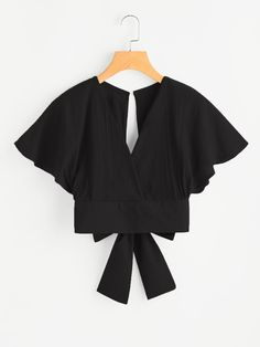 Shop Deep V-cut Keyhole Back Bow Tie Blouse online. SheIn offers Deep V-cut Keyhole Back Bow Tie Blouse & more to fit your fashionable needs. Trendy Outfits, Cute Outfits, Fashion Outfits, Fasion, Fashion Fashion, Fashion Ideas, Vintage Fashion, Bow Tie Blouse, Collar Blouse