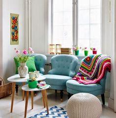 Home living room, living room decor, quirky decor, retro home decor, colo. Tiny House Living, Home Living Room, Living Room Decor, Living Spaces, Small Living, Modern Living, Modern Sofa, Midcentury Modern, Quirky Decor