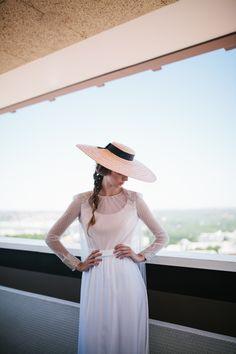 Foto de Lorena San José con vestidos de novia  de Beba's Closet, y pamela de la nueva colección de Alial