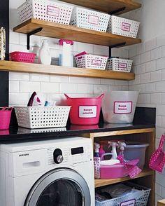 """567 curtidas, 2 comentários - ✨Casinha Chique✨ (@casinhachique) no Instagram: """"Desejo da noite: uma lavanderia super organizada e linda! #lavanderia #laundry #decor #home…"""""""