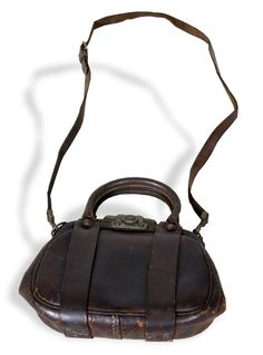 Carry Nation's purse: Nation carried this typical, turn-of-the-20th-century purse at many public appearances and was photographed with it on several occasions.