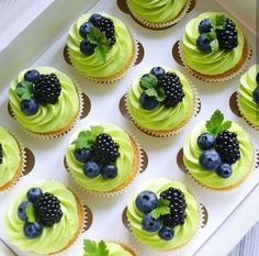 Green icing with blueberries, blackberries, and mint. Fruit cupcakes for Colette's bday Chicchicfindings etsy com Made by mohsin patel – Artofit Cupcake Recipes, Baking Recipes, Dessert Recipes, Patisserie Fine, Pretty Cakes, Mini Cakes, Christmas Desserts, No Bake Cake, Cake Designs