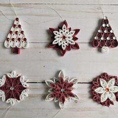 Quilling Supplies, Paper Quilling Designs, Quilling Patterns, Christmas Tree Pattern, Christmas Ornament Sets, Christmas Holidays, Christmas Crafts, Crystal Mandala, Quilling Christmas