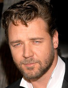 Actor Russell Crowe  turns 50 today 4-7 - he was born in 1964 and is just on the tail end of being a boomer.