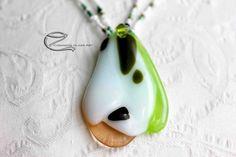 Hóvirág medál, vidám tavaszi hangulatot árasztó egyedi készítésű olvasztott üveg medál. A szürke téli napok után itt egy kis tavaszváró vidámság. Glass Jewelry, Earrings, Ear Rings, Stud Earrings, Ear Jewelry, Hoop Earrings, Pierced Earrings
