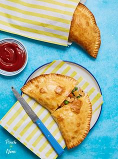 These tasty, savoury pasties are a great way to use up the leftovers from a roast dinner, and make a great slimming friendly lunch or snack!
