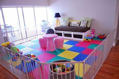 like this playroom for a baby/small toddler -- like the foam mats, maybe find a way to not have it seem like a jail though - ha zorg voor kinderen ideeën Small Playroom, Baby Playroom, Baby Room, Playroom Ideas, Children Playroom, Playroom Design, Playroom For Toddlers, Playroom Bench, Daycare Ideas