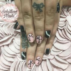 Diseños : Esmaltado permanente en tonos negro y natural Nails, Natural, Beauty, Enamels, Fingernail Designs, Black, Finger Nails, Ongles, Beauty Illustration