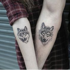 50 Of The Most Beautiful Wolf Tattoo Designs The Internet Has Ever Seen Wolf tattoo design Here we have nice photo about wolf tattoo desig. Wolf Tattoo Back, Small Wolf Tattoo, Wolf Tattoo Sleeve, Sleeve Tattoos, Tattoo Wolf, Wolf Sleeve, Lion Tattoo, Wolf Tattoo Forearm, Husky Tattoo