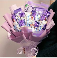 Cute Birthday Gift, Birthday Candy, Birthday Gifts For Best Friend, Birthday Diy, Gift Bouquet, Candy Bouquet, Candy Gift Box, Candy Gifts, Cute Gifts