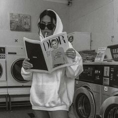 black and white aesthetic Boujee Aesthetic, Bad Girl Aesthetic, Aesthetic Collage, Aesthetic Vintage, Aesthetic Pictures, Black And White Photo Wall, Black And White Pictures, Black White, Aesthetic Backgrounds