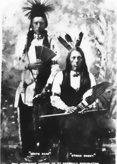 White Bear with his father, Strikes Many Enemy - Arikara - circa 1885