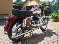 Classic Bikes, Vintage Bikes, Czech Republic, Cars And Motorcycles, Motorbikes, Cherry, Racing, Retro, Vehicles