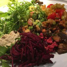 2016/11/22 02:09:41 loveyogakoharubiyori Today I went to my favorite vegan restaurant🍴at Piccadilly Circus station. So yummy❤︎ 今日は、ピカデリーサーカスにあるお気に入りのビーガンレストランへ😋 時差の違う国に旅行中の時は、体内時計がくるうのでこういうお店で消化によい食事をすると身体が楽にだったりしますよね🤗ぜひ、ロンドンにお越しの際は、路地裏にある雰囲気も✨私は、旅行中ではないですが、ビーガンレストラン好きでよく行きます🤗  #yoga#yogini#yogagirl#yogapose#yogaforeverybody #antiaging #アンチエイジング #antiagingfood#美容#美意識#ketogenicdiet#ケトジェニック#lowcarb#低糖質#健康#healthy#エクササイズ#姿勢#呼吸#exercise#selfpractice…