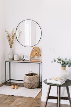 3 Ways to Use a Small Side Table 3 Ways to Use a Small Side Table — 204 PARK hallway table Small Entryways, Small Hallways, Modern Entryway, Entryway Ideas, Entrance Ideas, Small Entrance Halls, Entryway Table Modern, Hallway Ideas, Style Deco