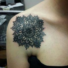 Bonnie And Clyde Tattoo, Bonnie N Clyde, Leaf Tattoos, Ear