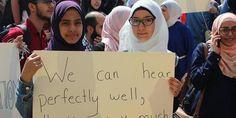 Sebut pakai jilbab itu bodoh dosen kampus di Libanon didemo http://ift.tt/2jOGLga