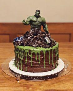 Oreos and matchbox cars Hulk Birthday Cakes, Hulk Birthday Parties, Superhero Birthday Party, 5th Birthday, Birthday Ideas, Hulk Party, Hulk Cakes, Avenger Cake, Avengers Birthday