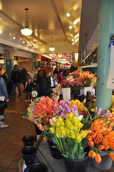 Pikes Market Seattle Loved this place Beautiful flowers but