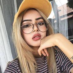 Meninas De Óculos, Garotas, Oculos Geek, Alinne, Fotos Com Oculos, Óculos c4008e88d2