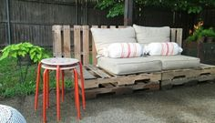 Garden furniture pallets sofa of for cushion beige coffee table