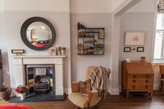 Name: Jen and Mark Location: Queen's Park; London, United Kingdom Size: 2,000 square feet Years lived in: 1 year, 9 months; Owned Moving their family of four from a bursting-at-the-seams one level apartment in London's lively Camden Town to a three level Victorian terrace house in the leafy suburb of Queen's Park, Jen and Mark faced some challenges when it came to filling the space in their fresh family home.