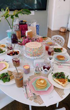 Birthday Brunch, 14th Birthday, Cake Birthday, Birthday Parties, Cute Food, Yummy Food, Kreative Desserts, Birthday Goals, Birthday Outfits