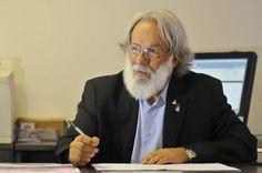 """Foto: internet/reprodução.    Paulo  Sérgio Bretas de Almeida Salles  é um dos """"colados"""" do governador Rodrigo Rollemberg (PSB-DF) que sem..."""