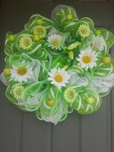 Spring Mint Green Daisy Deco Mesh Wreath