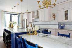 White, Royal Blue and Brass Kitchen in a great layout for narrow space - Sarah Richardson in Real Potential via HGTV Canada Royal Blue And Gold, Blue And White, Blue Gold, Navy Blue, Cobalt Blue, Navy Color, Yellow, Sarah Richardson Kitchen, Blue White Kitchens