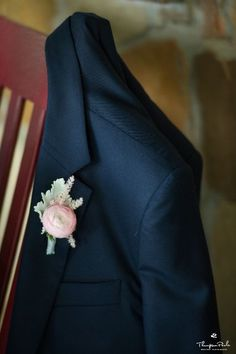 Peony Boutonniere | Dallas wedding at Howell Family Farms | Thompson Poole Photography