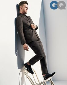 justin timberlake men of the year gq magazine december 2013 style 03 Suit by Z Zegna. Polo shirt by Zegna Sport. Pocket square by Hugh & Crye. Watch by Rolex. Shoes by Hermès