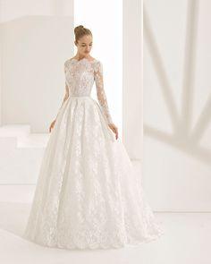 meghan markle wedding gown from rosa clara #3WPRRoyalWedding