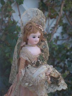 *Antique bisque Bru FASHION doll*