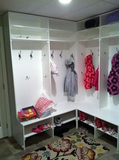 L-Shaped Mudroom Corner (Wide Bench / Bookbag Shelf in One)